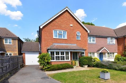St Thomas Close, Chilworth, Guildford GU4 8LQ. 4 bedroom end of terrace house