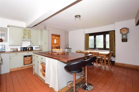 Vale Road, Broadstairs, Kent. 5 bedroom detached house for sale