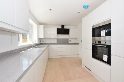 Park Avenue, Broadstairs, Kent. 4 bedroom detached house