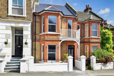 Wrotham Road, Broadstairs, Kent. 4 bedroom terraced house