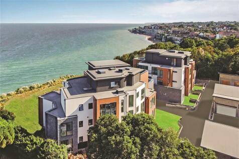 Ocean Drive, Broadstairs, Kent. 3 bedroom ground floor flat