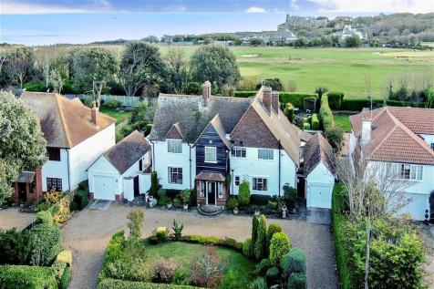 Fitzroy Avenue, Broadstairs, Kent. 5 bedroom detached house for sale