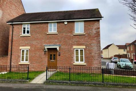 Redhouse Gardens, Swindon. 3 bedroom detached house