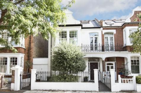 Airedale Avenue, Central Chiswick, W4. 5 bedroom house