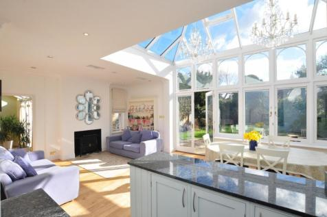 Park Road, Grove Park, Chiswick, W4. 5 bedroom house