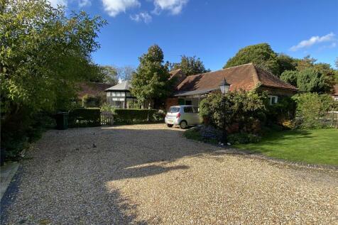Salthill Park, Fishbourne, West Sussex, PO19. 3 bedroom house for sale