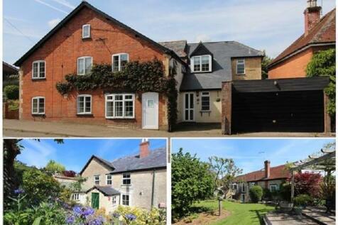 Marnhull Road, Hinton St. Mary, Sturminster Newton, Dorset. DT10 1NG. 4 bedroom detached house