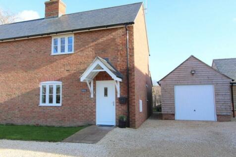 Hine Town, Shillingstone, Blandford Forum, Dorset. DT11 0SN. 2 bedroom semi-detached house