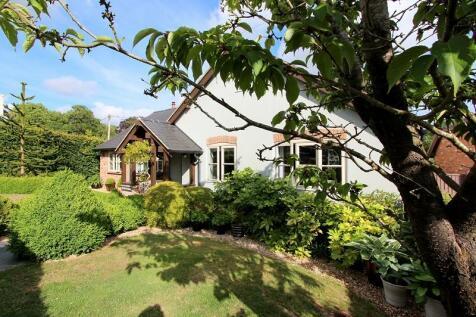 Tarrant Keyneston, Blandford Forum, Dorset. DT11 9JE. 3 bedroom detached bungalow