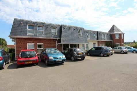 Bath Road, Sturminster Newton, Dorset. DT10 1DU. 1 bedroom flat