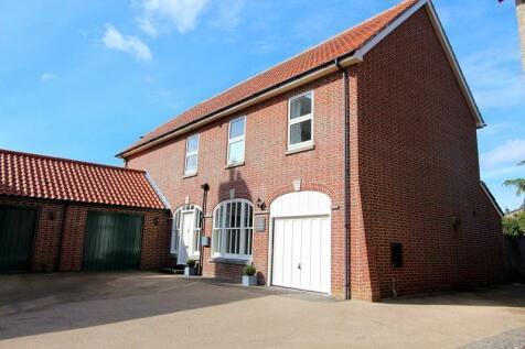 Churchfoot Lane, Hazelbury Bryan, Sturminster Newton, Dorset. DT10 2DS. 4 bedroom link detached house