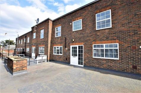 Kings Parade, Standford Le Hope, Essex. 2 bedroom flat