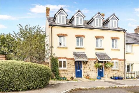 Oak Drive, Crewkerne, Somerset. 3 bedroom semi-detached house