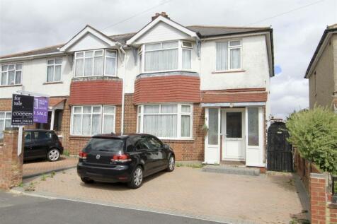 Towers Avenue, Hillingdon, UB10. 3 bedroom semi-detached house