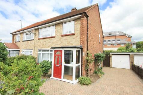 Harlington Road, Hillingdon, UB8. 3 bedroom semi-detached house