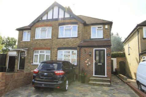 Clifton Gardens, Hillingdon, UB10. 3 bedroom semi-detached house