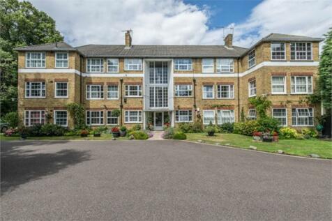 Kemnal Road, Chislehurst. 3 bedroom apartment