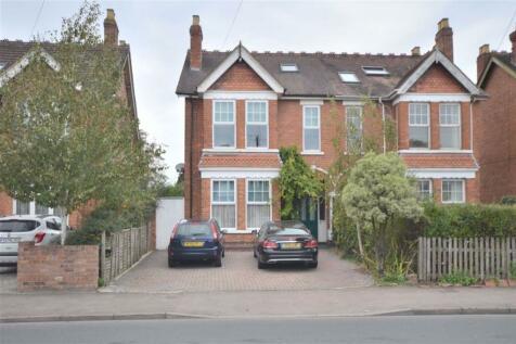 Podsmead Road, Gloucester, GL1. 5 bedroom semi-detached house for sale
