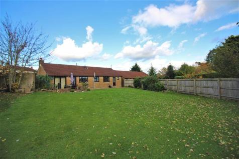 Chaffcombe Road, Chard. 3 bedroom detached bungalow