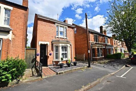 Henry Road, Gloucester. 4 bedroom detached house