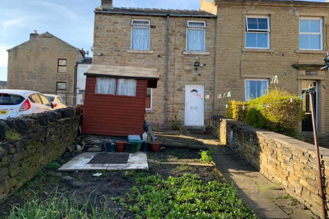 Miln Road, West Yorkshire, HD1. 3 bedroom semi-detached house for sale