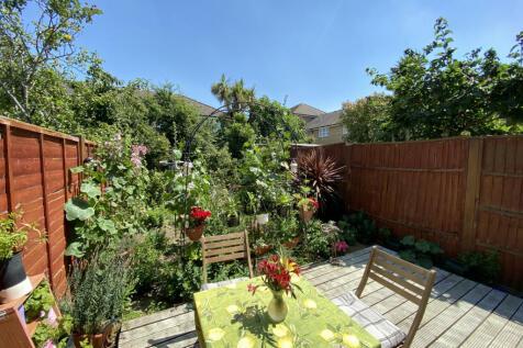 Sumner Road, London, SE15. 3 bedroom terraced house