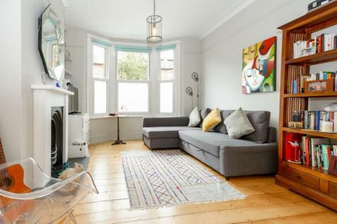 Landells Road, East Dulwich, SE22. 2 bedroom terraced house