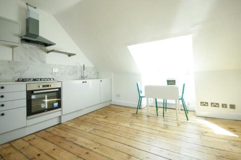 Solway Road, London, SE22. 1 bedroom flat