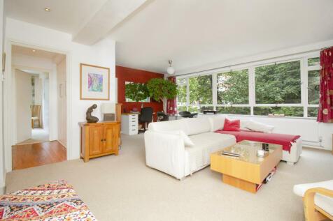 Marlowe Court, Lymer Avenue, London, SE19. 2 bedroom apartment