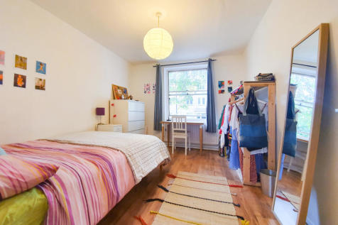 Upton Court, 56 East Dulwich Grove, London, SE22. 2 bedroom flat