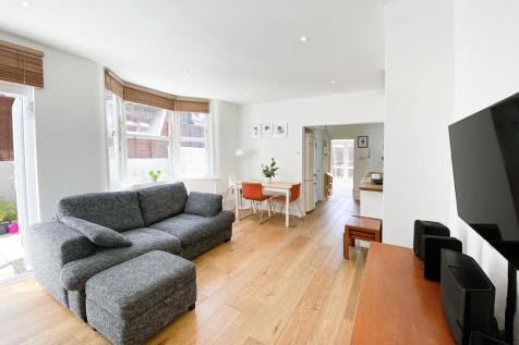 Garden Flat Cheltenham Road, London, SE15. 2 bedroom flat