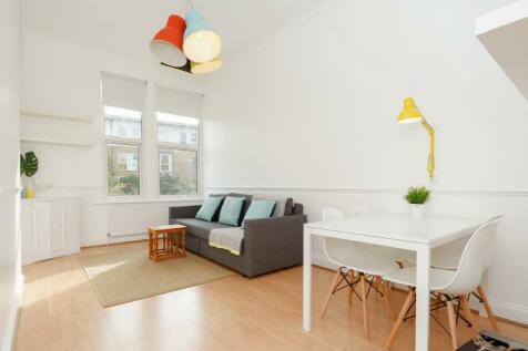 East Dulwich Road, East Dulwich, SE22. 2 bedroom flat