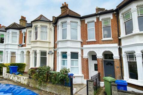 Tarbert Road, London, SE22. 2 bedroom flat