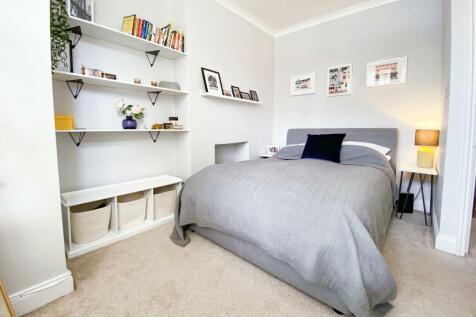 Garden Flat Goodrich Road, London, SE22. 2 bedroom flat