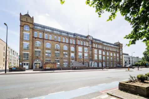 Clapham Road, London, SW9. 1 bedroom flat for sale