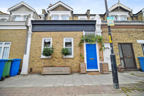 Ivydale Road, Nunhead, SE15. 4 bedroom terraced house for sale