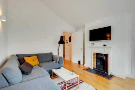 East Dulwich Road, London, SE22. 2 bedroom flat for sale