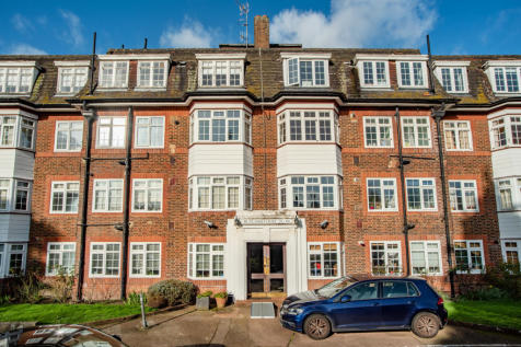 Rutland Court, Denmark Hill, London, SE5. 2 bedroom flat for sale