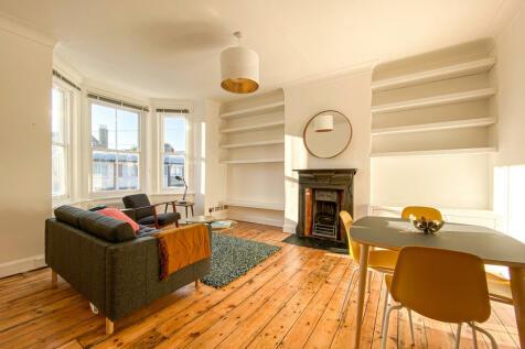 Solway Road, London, SE22. 2 bedroom flat for sale