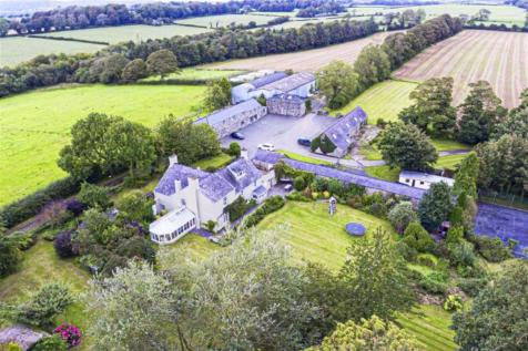 Pentraeth Road, Menai Bridge, Anglesey, LL59. 5 bedroom detached house for sale