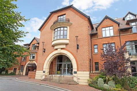 Royal Apartments, Perpetual House, Station Road, Henley-on-Thames, RG9. 2 bedroom flat