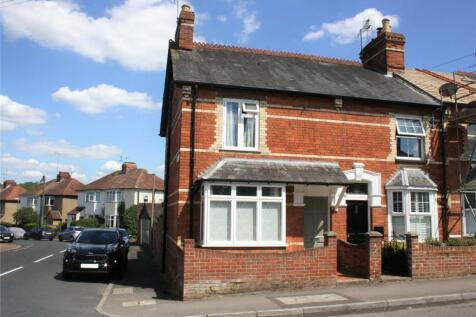 Harpsden Road, Henley-on-Thames, Oxfordshire, RG9. 2 bedroom end of terrace house