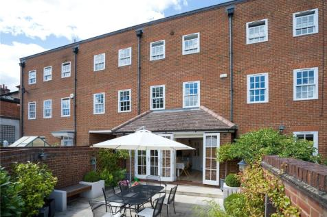 Bell Street, Henley-on-Thames, Oxfordshire, RG9. 3 bedroom terraced house for sale