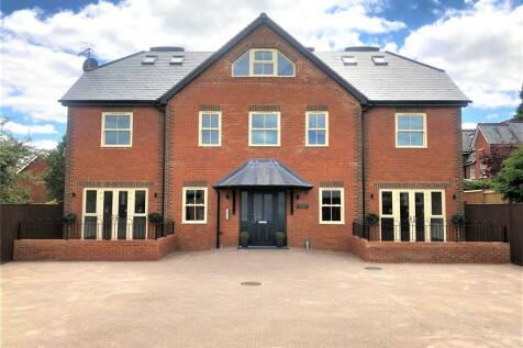 Hurlingham House, Quebec Road, Henley-on-Thames, Oxfordshire, RG9. 2 bedroom flat