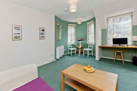 614 Websters Land, Grassmarket, Edinburgh. 1 bedroom flat
