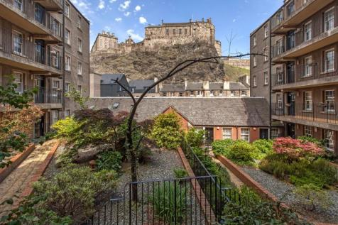 614 Websters Land, Grassmarket, Edinburgh. 1 bedroom flat for sale