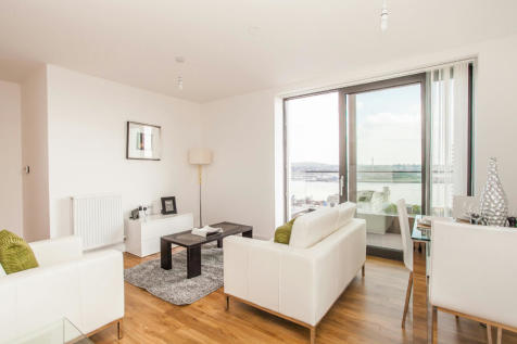 Connaught Heights, Waterside Park, Royal Docks E16 2FR. 1 bedroom apartment