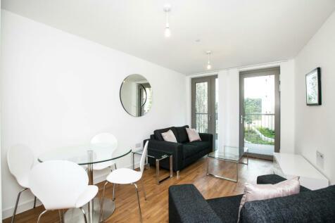 Waterside Heights, Waterside Park, Royal Docks E16. 1 bedroom apartment