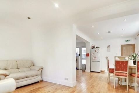 Hutton Grove, London. 5 bedroom property