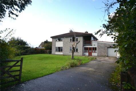 Yeatmans Close, Shaftesbury, Dorset, SP7. 4 bedroom detached house